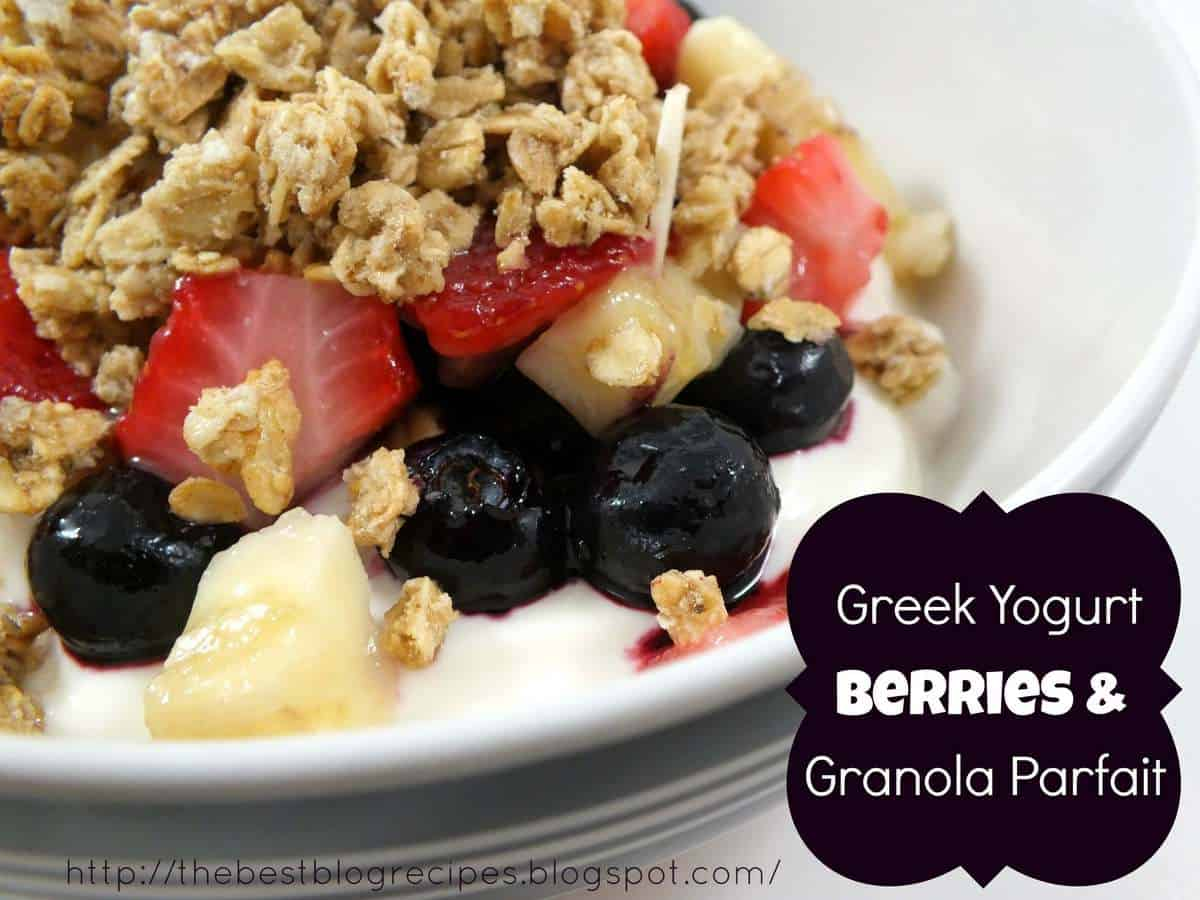 Greek Yogurt, Berries and Granola Parfait - The Best Blog Recipes