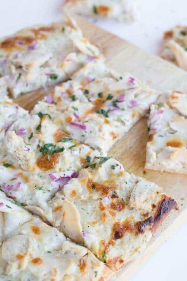 chicken-pizza-white-sauce