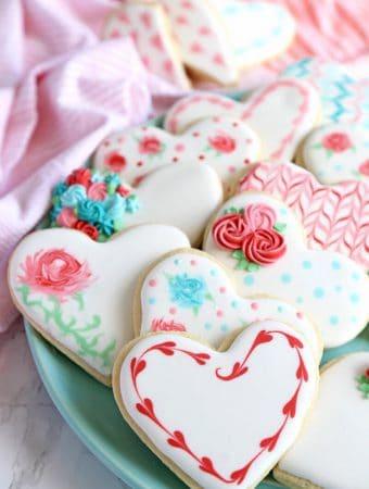 Valentine's Dau Sugar Cookies -- Part of the Best Valentine's Day Cookies