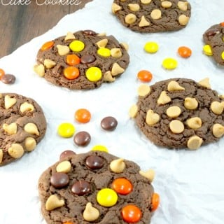 Reese's Pieces PB Chip Cake Cookies are a fun and easy treat to make for Halloween! | thebestblogrecipes.com | #dessert #cookies #halloween #reeses