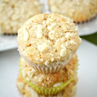 White Chocolate Strawberries and Cream Muffins w/ Streusel Topping #ad #MullerMoment