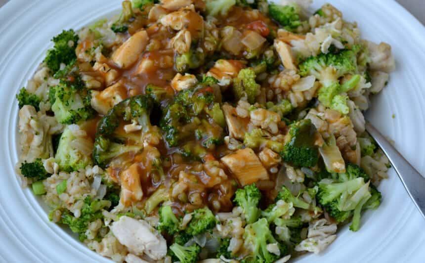 Rotisserie Chicken Broccoli Brown Rice w/ Sweet Onion Gravy #Ad #WeekNightHero #collectivebias