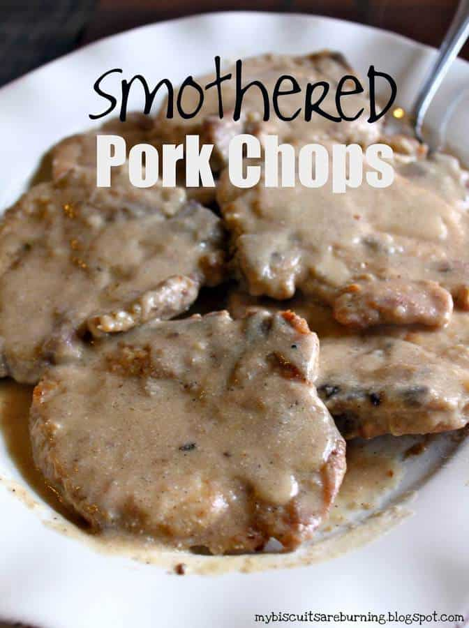 These Smothered Pork Chops use ingredients you probably already have in your kitchen and they make an amazing dinner! | Featured on The Best Blog Recipes