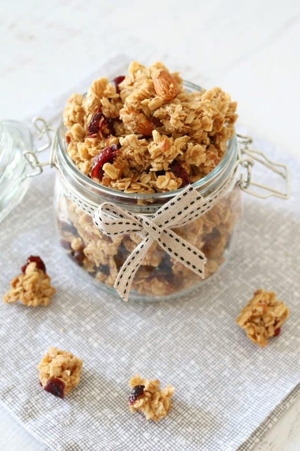 This Crunchy Homemade Almond, Cranberry & Coconut Oil Granola has amazing flavor and is much cheaper than buying a store bought version. | Featured on The Best Blog Recipes