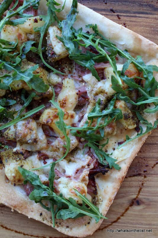 Who loves homemade pizza? While delivery is easy, nothing could be better than this Sugarless No Rise Pizza Base with Homemade Italian Spice Blend. | Featured on The Best Blog Recipes