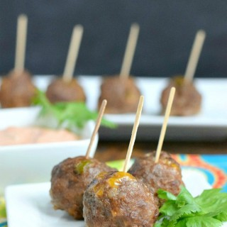 Want a fun new party food or dinner ideas? These Mexican Meatballs are little bites of spicy, cheesy, low carb goodness! So yummy! | Featured on The Best Blog Recipes