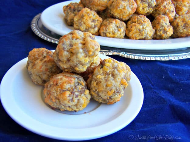 Don't you love recipes that are versatile? These Sausage Balls can be had as an appetizer, snack, dinner, and even breakfast. Plus they're so yummy!! | Featured on The Best Blog Recipes