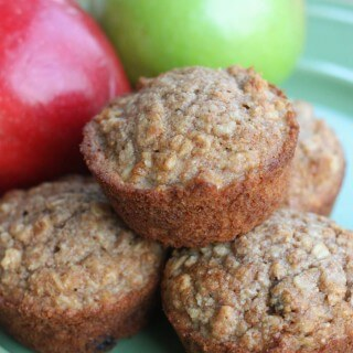 HEALTHY APPLESAUCE OAT MUFFINS -- a kid friendly healthy recipe that the whole family will love! | Featured on www.thebestblogrecipes.com