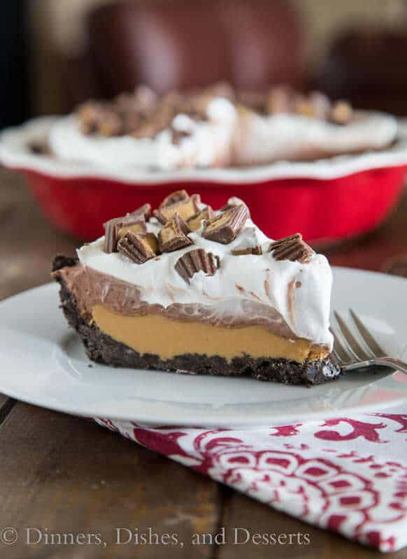 No-Bake Peanut Butter Cup Pie -- is an easy no bake pie that is like a giant homemade peanut butter cup!