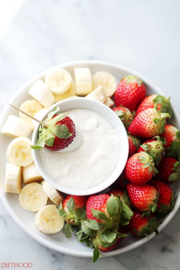 Cream Cheese Fruit Dip – Delicious, lightened-up creamy fruit dip made with cream cheese and plain yogurt. Simple, yet SO GOOD!