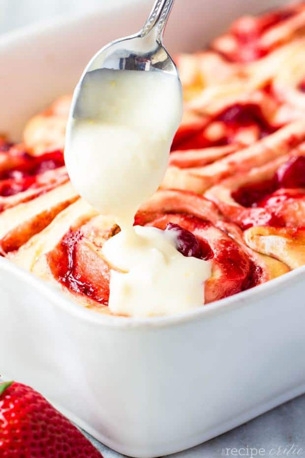 Strawberry Cinnamon Rolls with Lemon Cream Cheese Glaze will be your new favorite recipe!