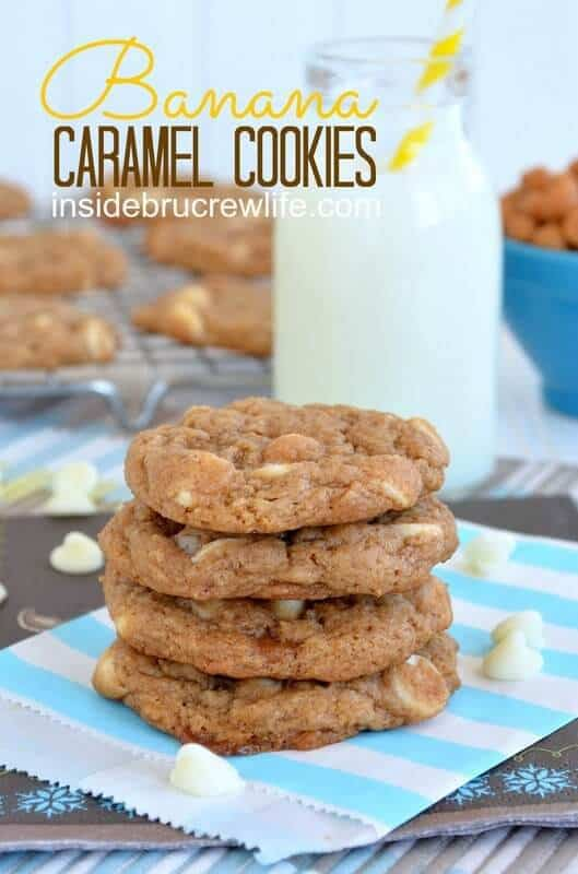 BANANA CARAMEL COOKIES -- Part of our 18 Recipes that prove that CARAMEL and BANANAS were meant to go together!