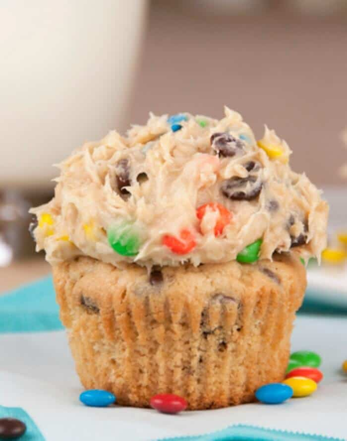 How delicious do these rich peanut butter cupcakes with sweet cookie dough frosting look?