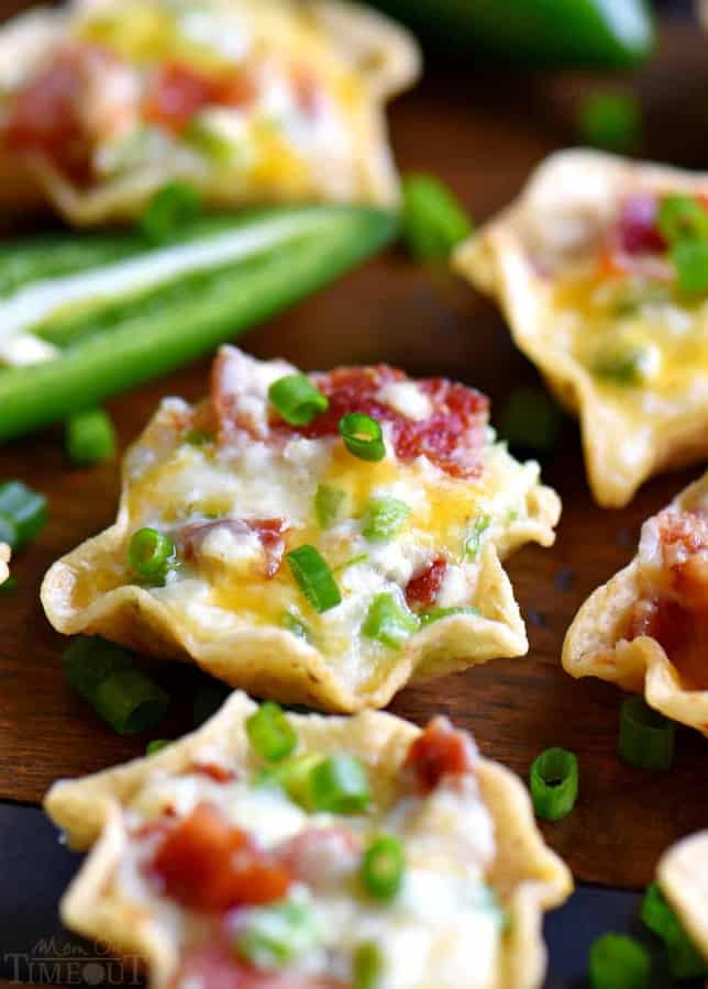 This extra delicious appetizer iscreamy, cheesy, spicy, bite-sized and did I mention loaded with bacon??
