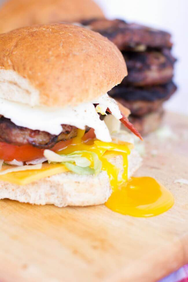 Best Burger Recipe with Egg