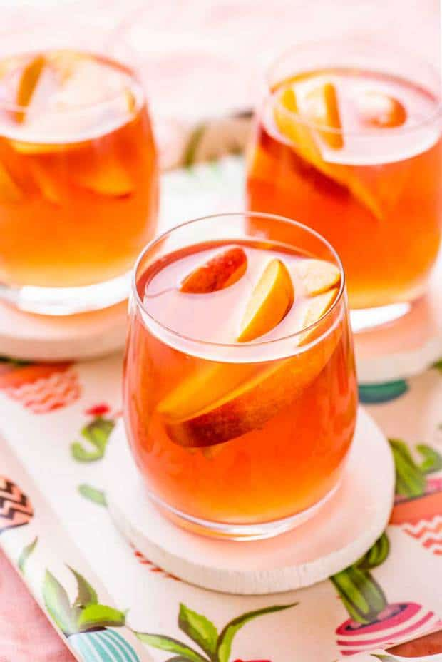 Celebrate the taste of late summer with this classic and crisp peach sangria. Perfect for entertaining, this recipe only uses five easy-to-find ingredients and can be made with fresh or frozen peaches.
