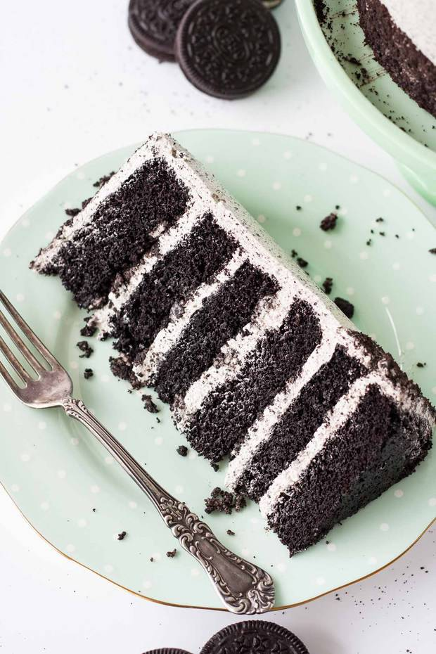 An Oreo Lover's dream! delicious layers of oreo flavoured cake and buttercream with chopped up oreos for some crunch.