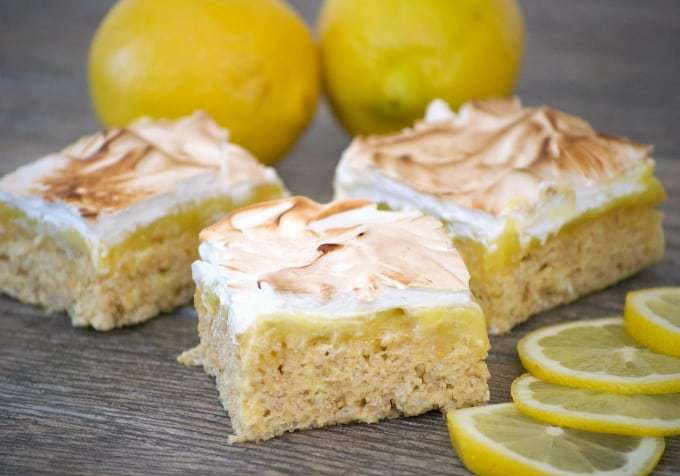 Lemon and rice krispies treats lovers rejoice, these Lemon Meringue Rice Krispie Treats are going to knock your socks off! They are all of the great tastes of a lemon meringue pie combined with a childhood treat you grew up with.