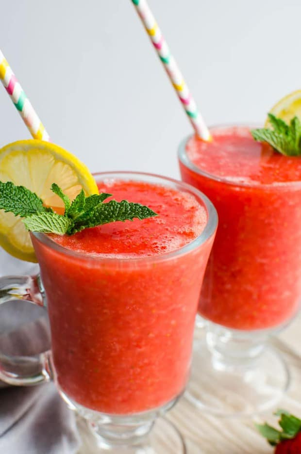 4 ingredients, 5 min prep. time, 100 calories, non-alcoholic and naturally sweetened strawberry slush —a perfect drink to enjoy the warm weather. It is prepared using fresh strawberries and is loaded with micronutrients from them. If you love strawberries then it is a must-try drink to enjoy this fruit.