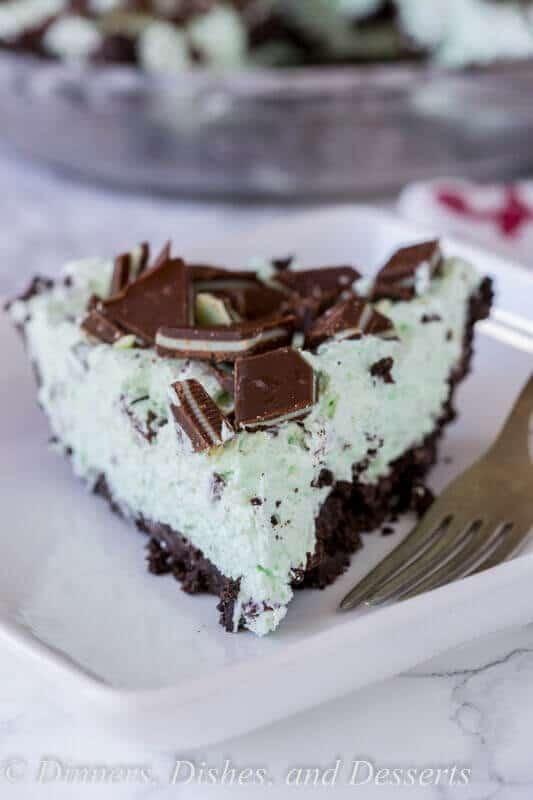No-Bake Mint Chocolate Chip Pie
