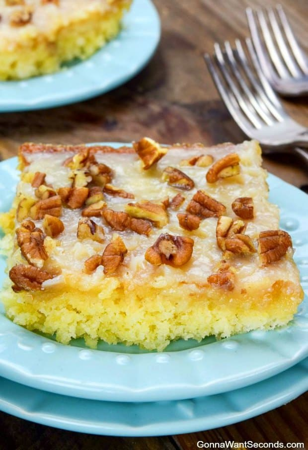 Easy Pineapple Sheet Cake -- Part of The Very Best Sheet Cake