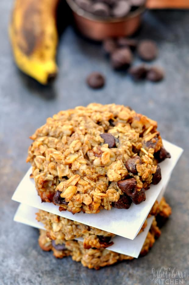 "ersonally, I love to cook with apples and pumpkin all year round but I definitely think they are more ""fall"" flavors than spring and summer so I don't share many recipes earlier in the year. That is all about to change with these pumpkin chocolate oatmeal cookies."