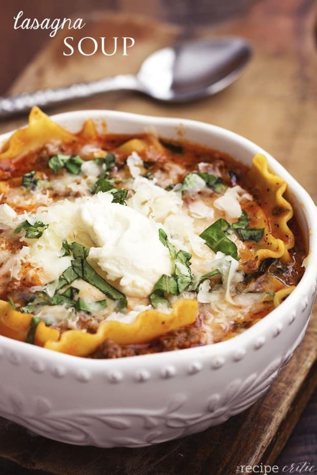All of the goodness of lasagna is packed into this hearty and delicious soup!  Packed with noodles, ground beef, marinara and cheese, this is a soup that your family will love.