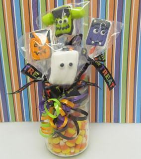 These fun Halloween Creatures Marshmallow Pops are easy to make, and just plain fun! They are perfect to give together as a bunch, or separately!