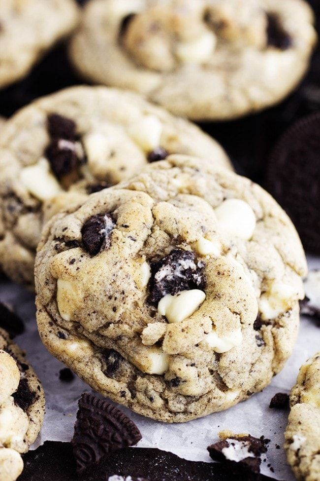 White Chocolate Oreo Cookies are perfectly soft and chewy cookies loaded with white chocolate chips and oreo cookies!