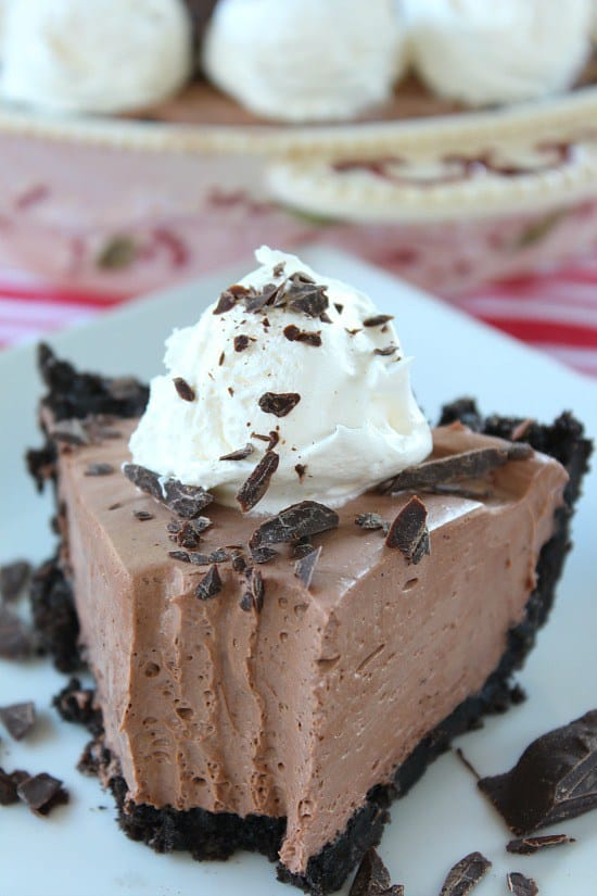 How about a delicious no bake chocolate cream cheese pie that is rich, creamy and super delicious? Then this chocolate cream cheese pie is for you. Talk about creaminess in every bite… Oh my, this is delicious!