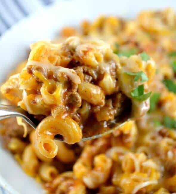 One Skillet Cheesy Chili Mac - The Best Blog Recipes