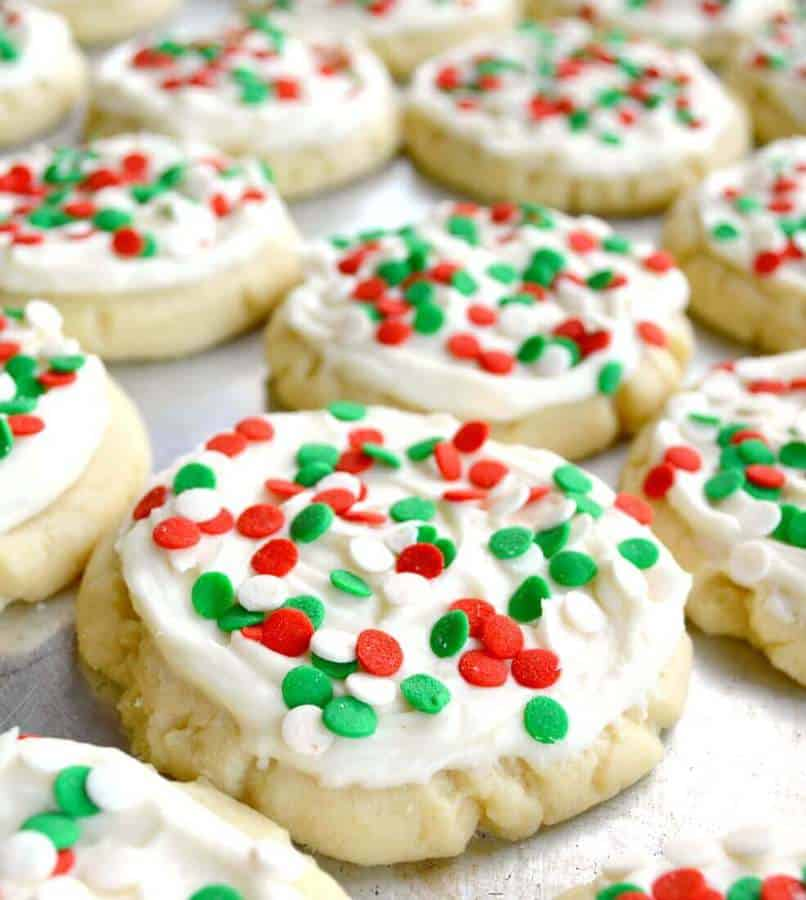 TheseNo Roll Sugar Cookiesfrom Kathleen atGonna Want Secondsis the perfect recipe to make when you want a big batch of cookies for the holidays but you don't have time to wait for the dough to chill! The recipe is quick, easy, and no-fuss.