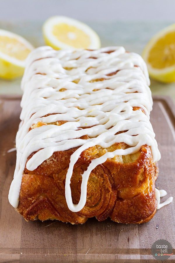 Sweet and lemony, this Lemon Roll Pull-Apart Bread is a great mash up of lemon rolls and pull-apart bread. You won't be able to stop at just one piece!
