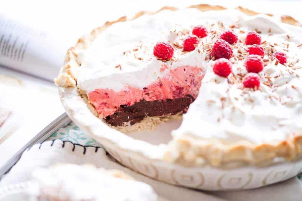Chocolate Raspberry Cream Pie - The Best Blog Recipes