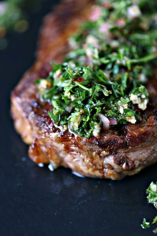 Fire up that grill and whip up a tasty dinner of Grilled Rib Steaks with Chimichurri Sauce. Serve with your favourite side dish and some New York Bakery Texas Toast.