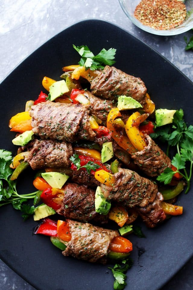 Steak Fajita Roll-Ups – Ditch the flour tortillas and make this amazing low-carb version of your favorite steak fajitas!