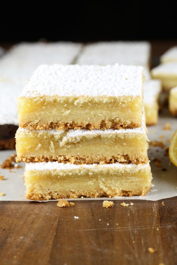 Lemony Lemon Bars are a chewy and delicious dessert bar just bursting with lemon flavor. An easy dessert for any occasion.!