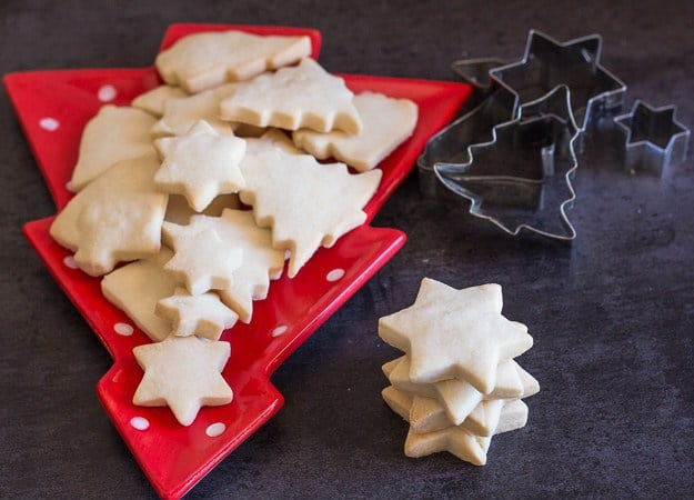 The Best Simple Two Ways Shortbread Cookies, These are delicious easy to make shortbread cookies recipes, a delicious melt in your mouth cookie that you will make year after year. Choose the traditional shortbread or brown sugar shortbread.
