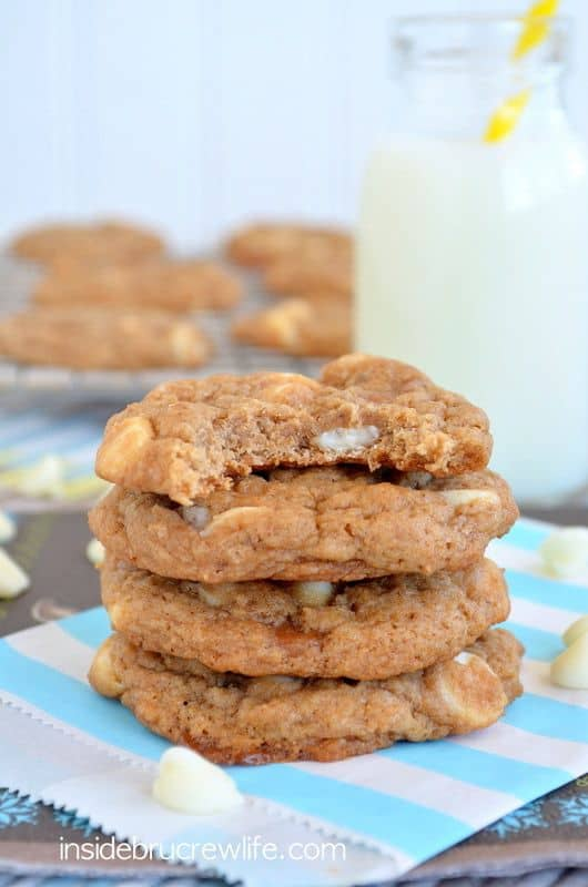 Looking for a new and easy cookie recipe?   Have you tried cake mix cookies yet?  These Banana Caramel Cookies will satisfy the cookie monster in you.