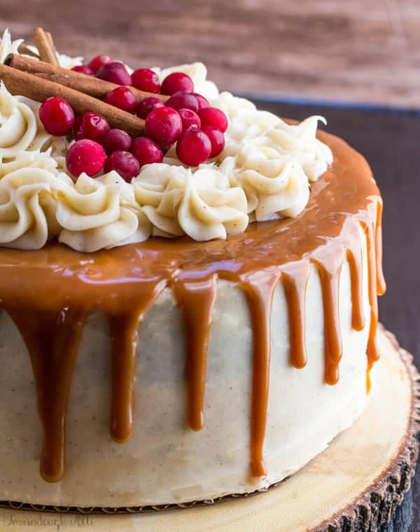 GINGERBREAD CAKE WITH CINNAMON CREAM CHEESE FROSTING AND CARAMEL DRIZZLE | 20+ Easy Christmas Dessert Recipes | The Best Blog Recipes