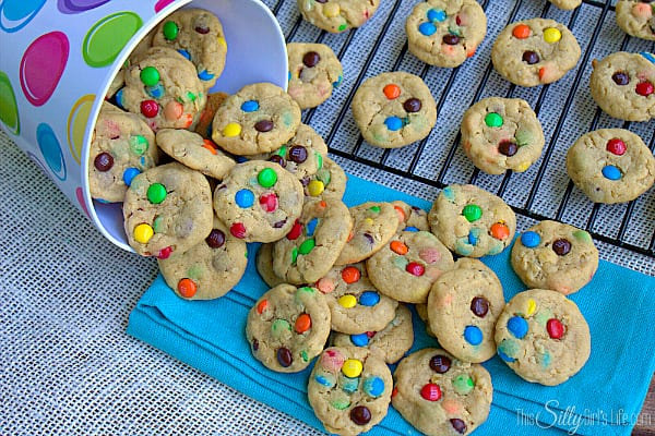These are perfect for little mouths and much easier on portion control! Peanut butter cookie base loaded with mini m&m's and oats! They are so yummy, they will be your newest go-to!