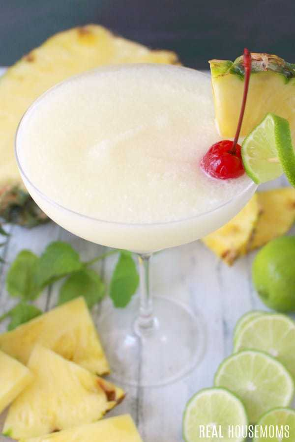 THE PERFECT PINA COLADA! THIS CLASSIC COCKTAIL WILL BE YOUR FAVORITE SUMMER DRINK, PERFECT FOR SIPPING POOLSIDE OR AT THE BEACH!