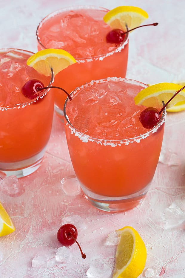 So amazingly sweet and tart, if you're a margarita lover (like me), you're going to love these easy and simple Cherry Lemonade Margaritas!