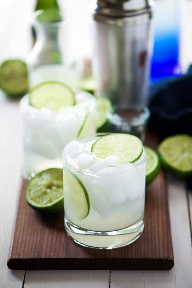 Skinny champagne margaritas combine two classic beverages in one bubbly drink! a light & refreshing margarita topped with champagne for an easy and fun twist on the classic!