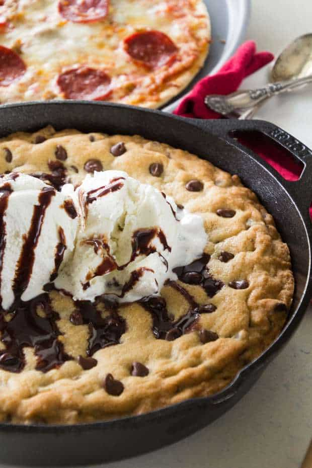Chocolate Chip Skillet Cookie Recipe ~ This Cast Iron Skillet Chocolate Chip Cookie Recipe is the BEST Dessert! Perfectly Gooey in the Middle and Crunchy on the Outside. Whip up a Batch Tonight!