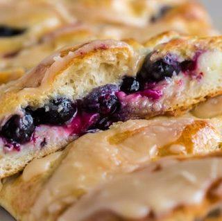 Best Blueberry Brekafast Braid