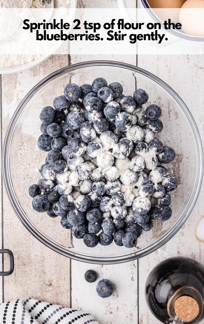 sprinkle flour on blueberries